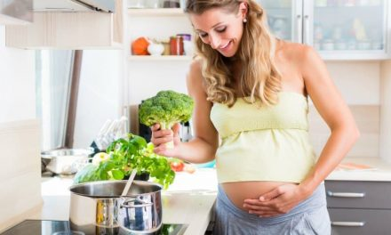 20 Foods To Avoid During Early Pregnancy