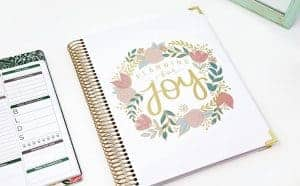 pregnancy planner- gifts for expecting moms