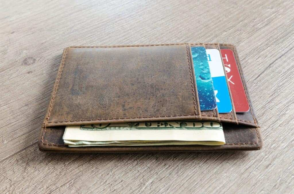 family budgeting tips: cash back credit card