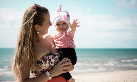 Practical and Cute Summer Outfits for Moms